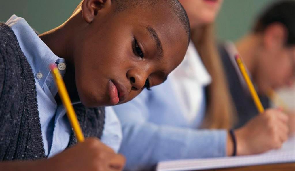 MEC cria programa para alfabetização em escolas vulneráveis