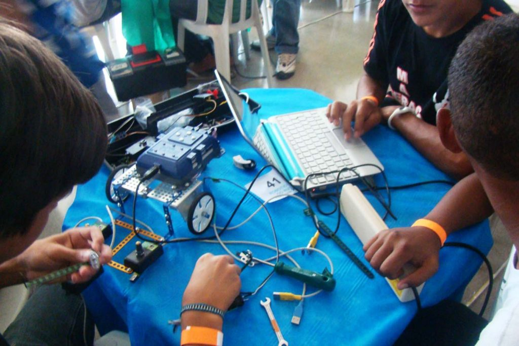 Rede pública do AP terá curso de robótica 2
