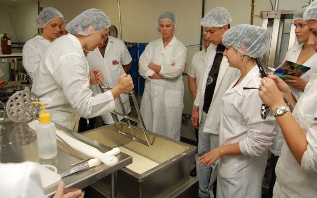 Universidade Estadual de Ponta Grossa abre inscrições para curso de produção de queijos