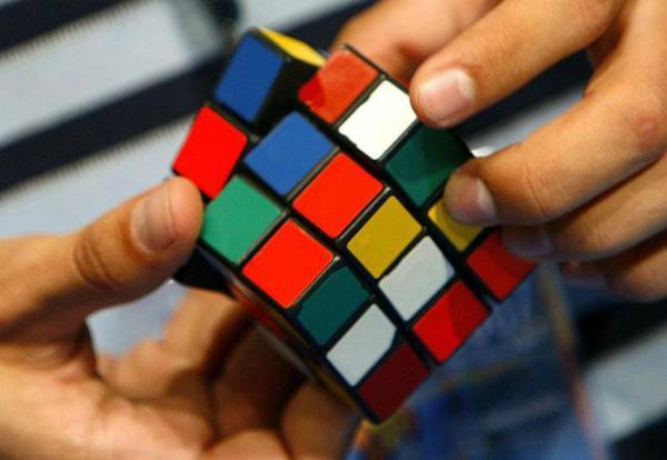 Como resolver um cubo mágico rapidamente