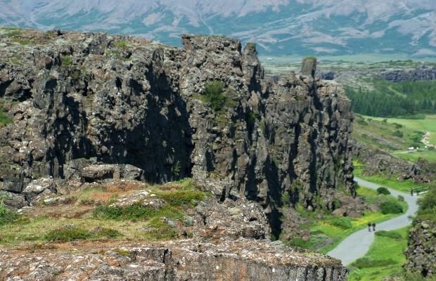 lugares-com-intensa-movimentacao-de-placas-tectonicas-e-o-que-isso-acarreta
