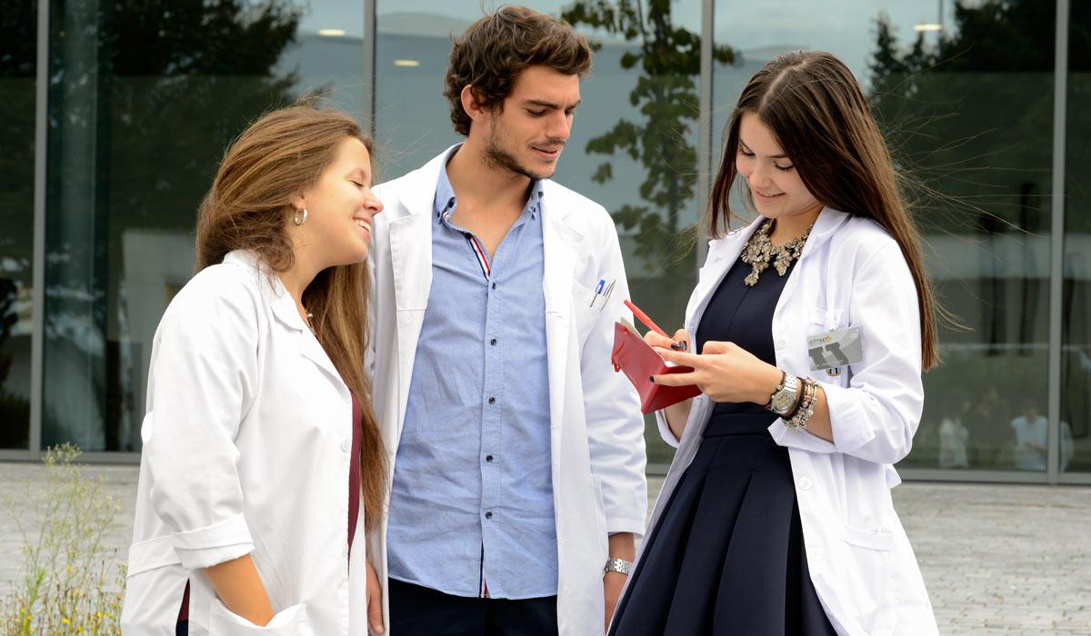 Nota média mínima para cursos de medicina fica em 736 pontos no SiSU 2020/1