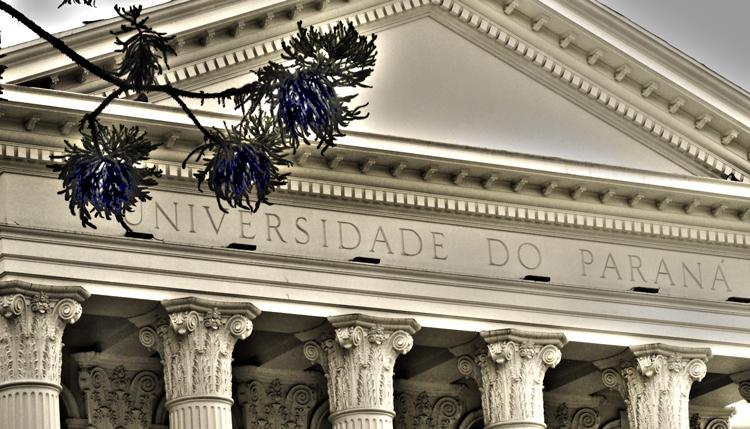 UFPR divulga livros do vestibular com obras de sociologia e filosofia