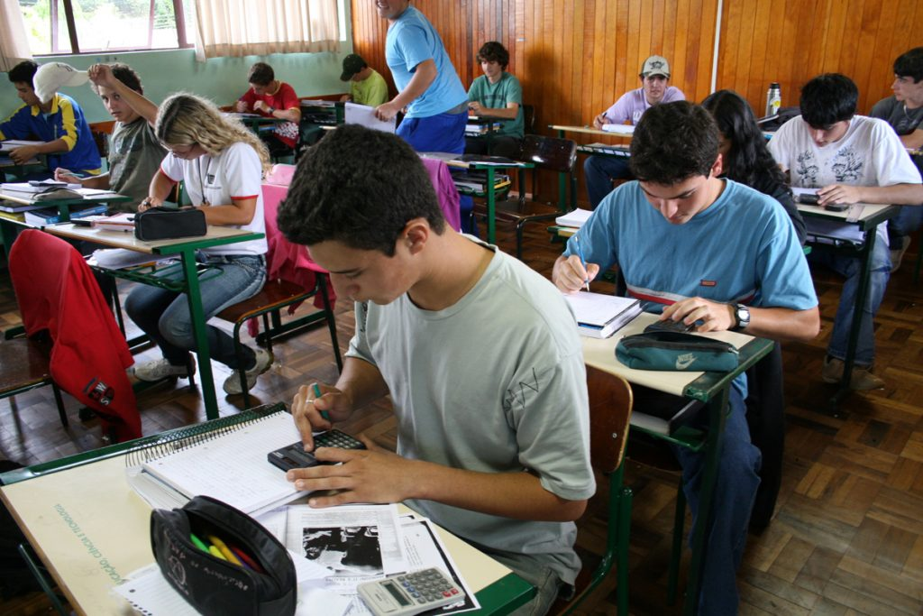 Ministério da Educação propõe discussão sobre nova base do ensino médio