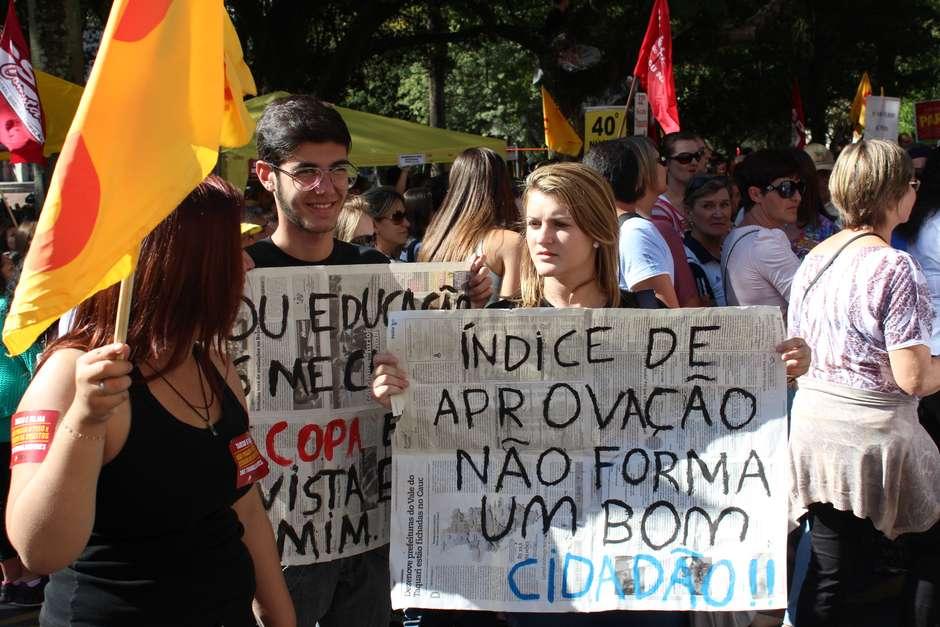 professores-estaduais-entram-em-greve-no-rs