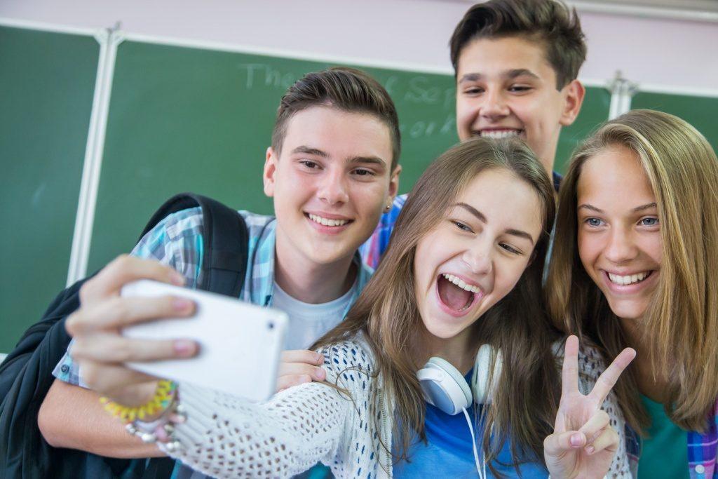 Confira alguns fatores que influenciam a autoimagem dos adolescentes