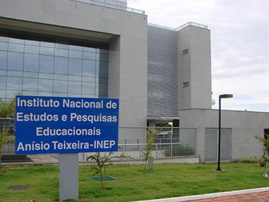 INEP afirma que vai reembolsar pessoas que pagaram a mais por taxa de inscrição do Enem