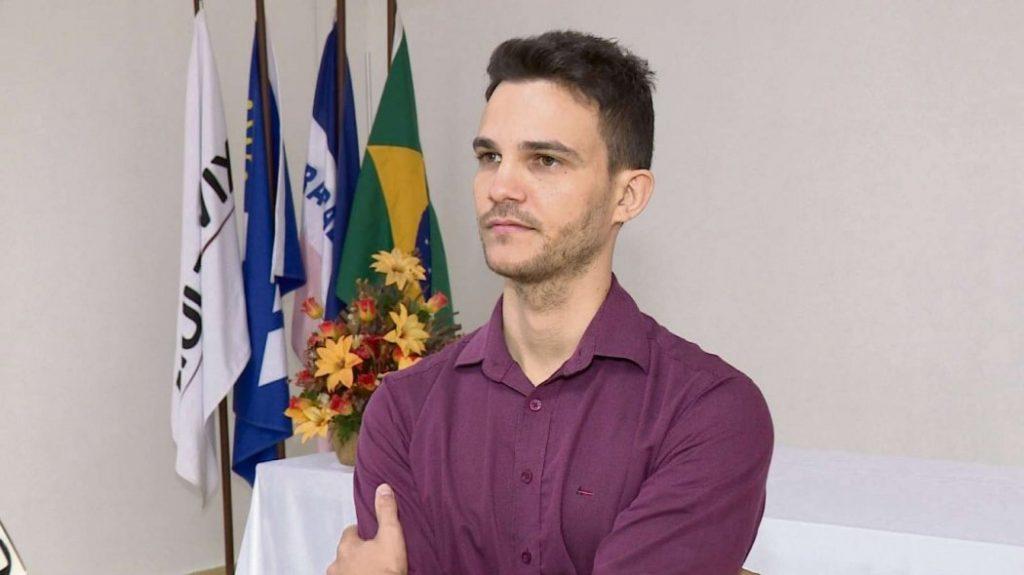 Professor do ano está sendo investigado por suposto diploma falso