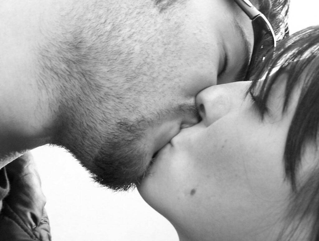 Confira algumas curiosidades sobre os beijos