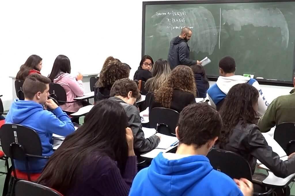 USP São Carlos abre inscrições para cursinho pré-vestibular