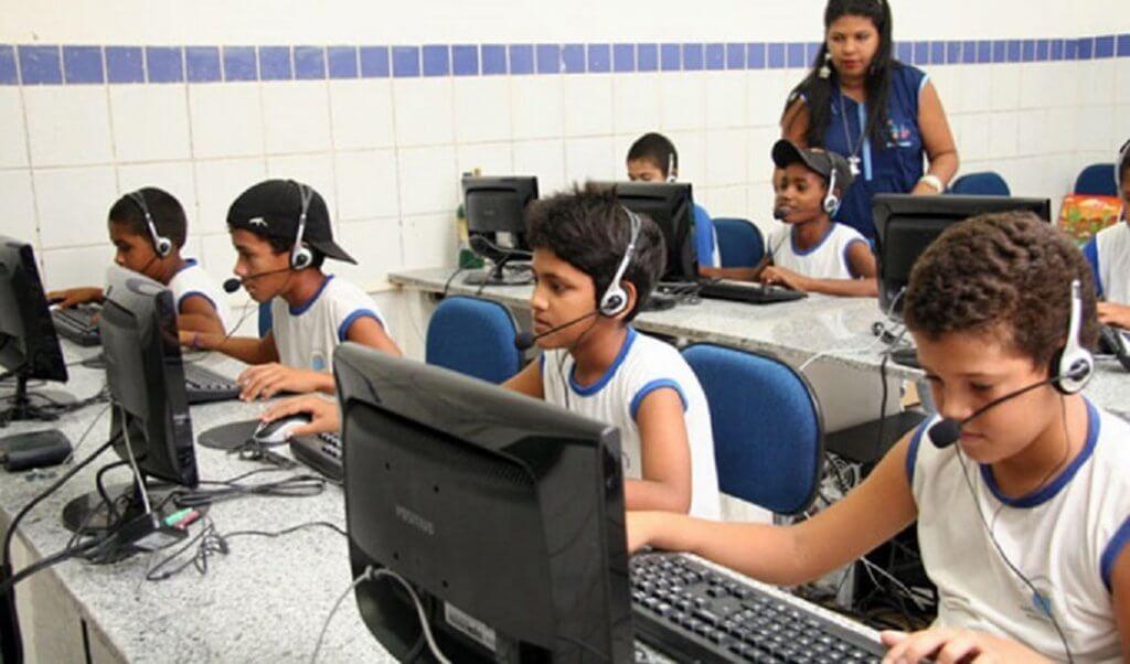 MEC promete internet rápida em todas as escolas em 7 anos