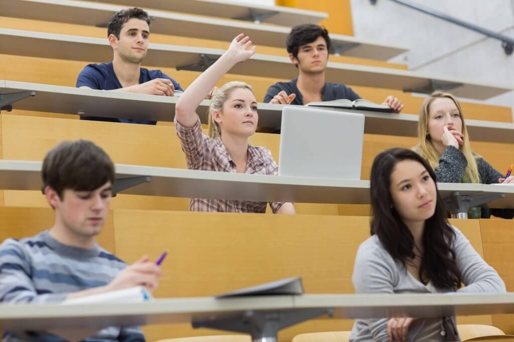 Maioria dos estudantes chegam à universidade sem saber o que é plágio