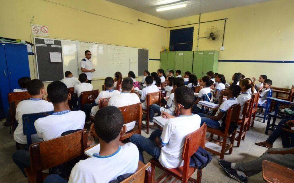 Qualificação de imigrantes do Brasil é melhor que a dos brasileiros