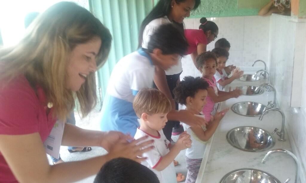 Como trabalhar a importância de lavar as mãos dentro da sala de aula