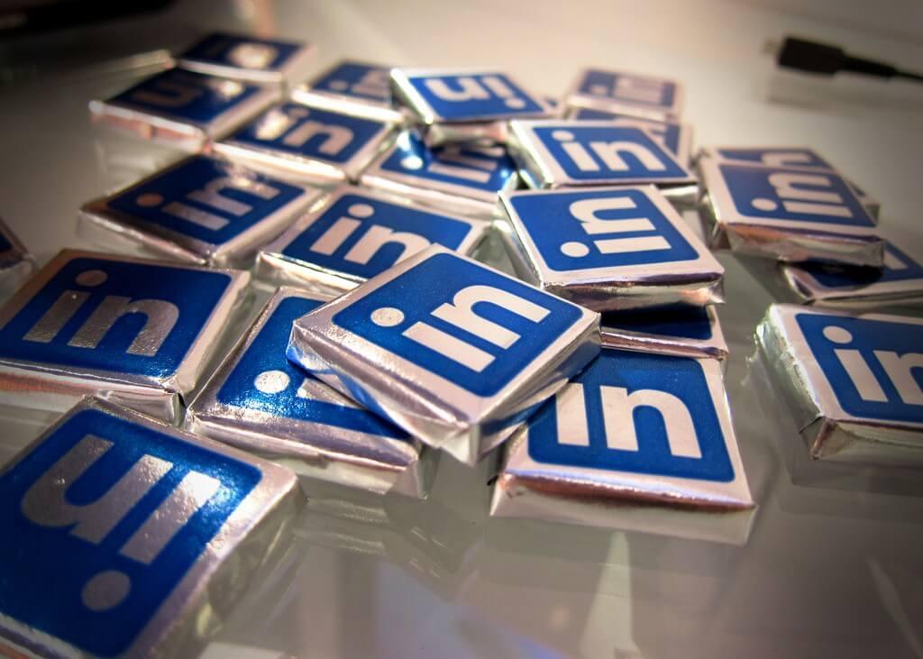 Dicas para melhorar sua apresentação profissional no Linkedin