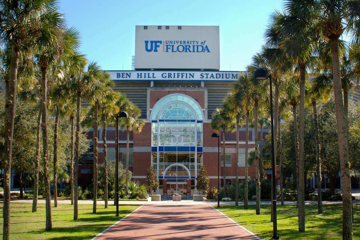 Conheça as melhores universidades dos Estados Unidos para quem ama esportes