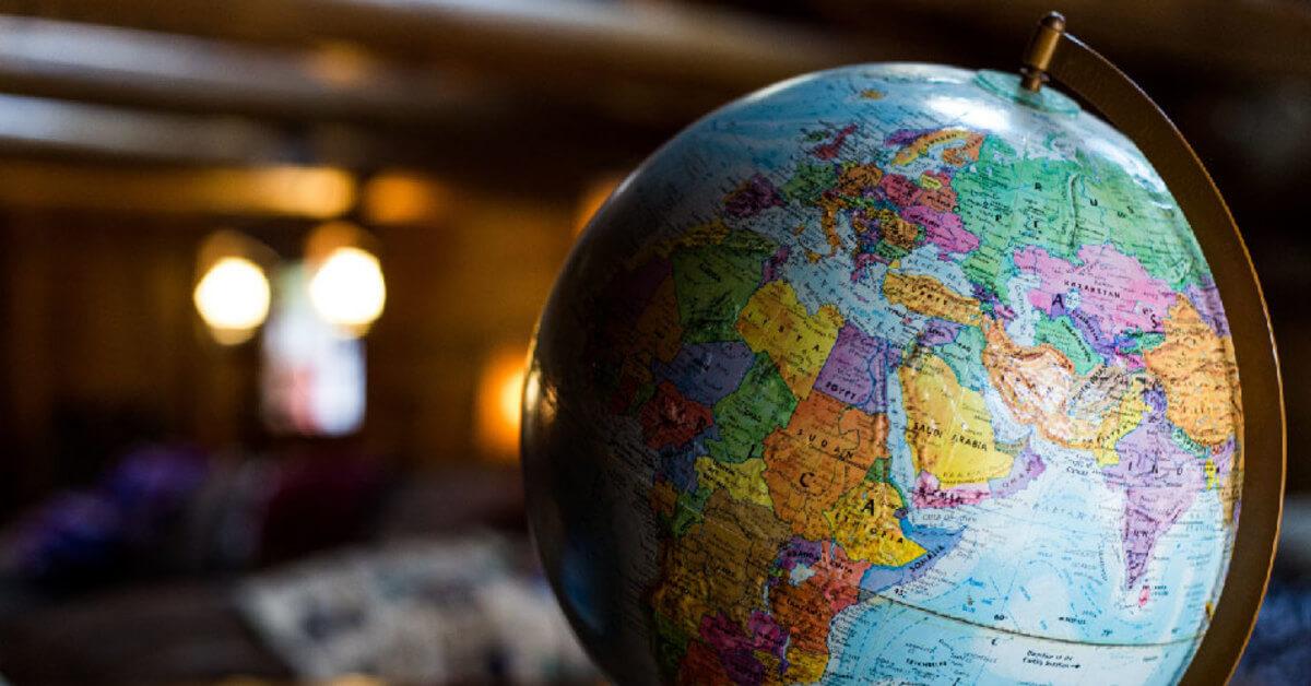 Instituição internacional oferece bolsas de estudos para jovens engajados à comunidade