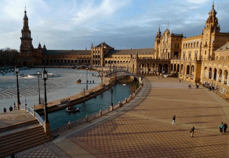 Fundação oferece bolsas para quem quer estudar na Espanha