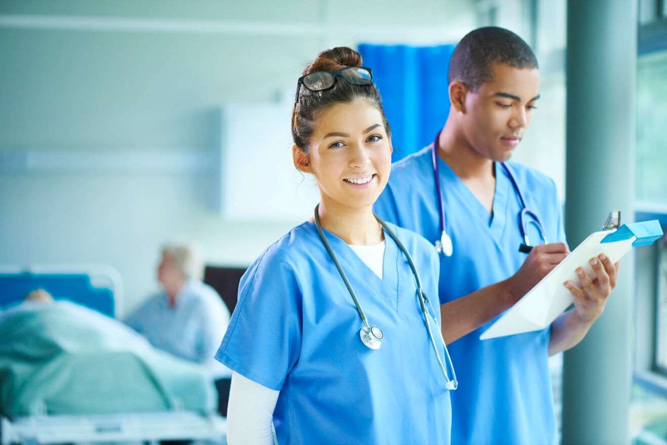 MEC autoriza antecipação em formatura de cursos de saúde