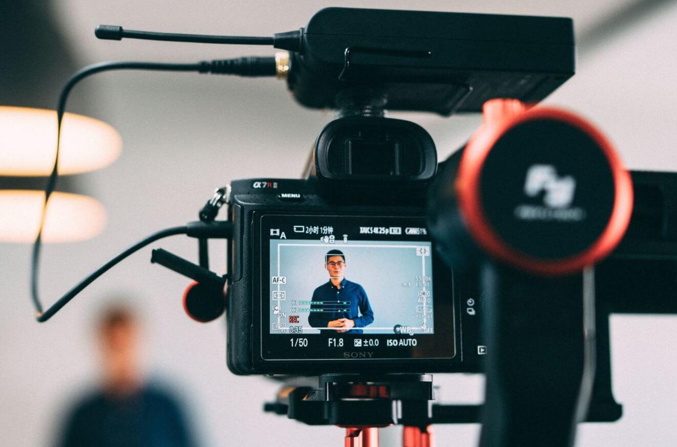 4 softwares para professores que precisam gravar videoaulas