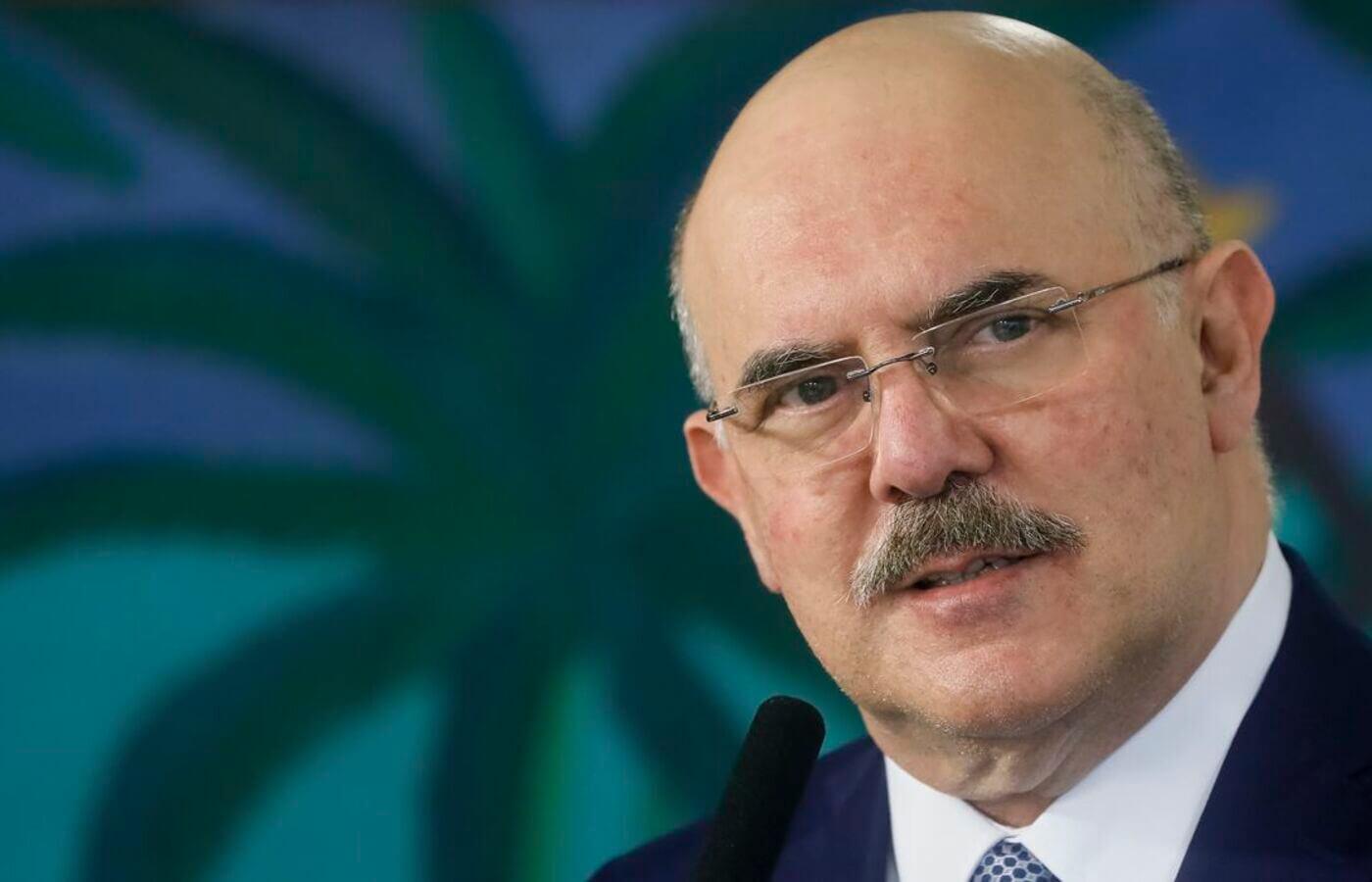 Ministro da Educação quer revisar provas do Enem para evitar questões ideológicas